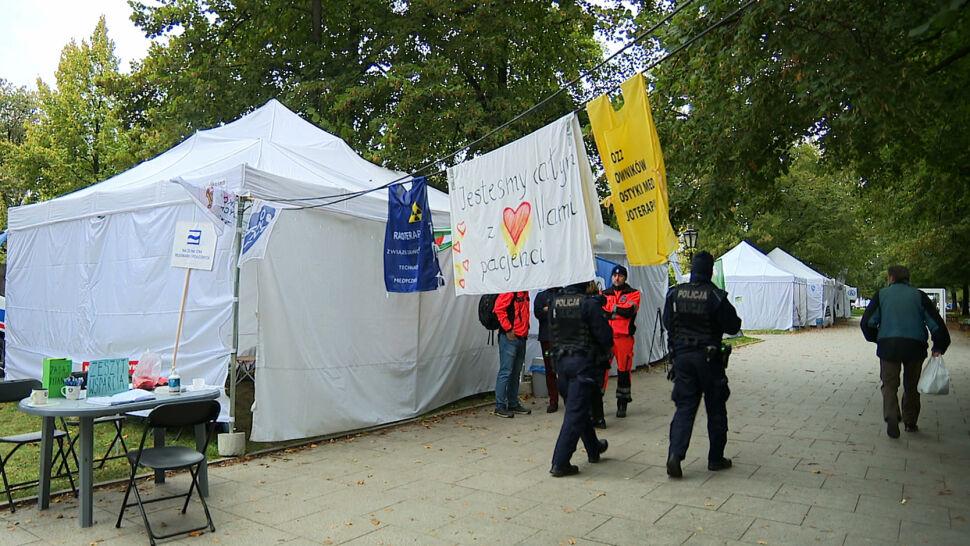 We wtorek spotkanie protestujących pracowników ochrony zdrowia z przedstawicielami ministerstwa