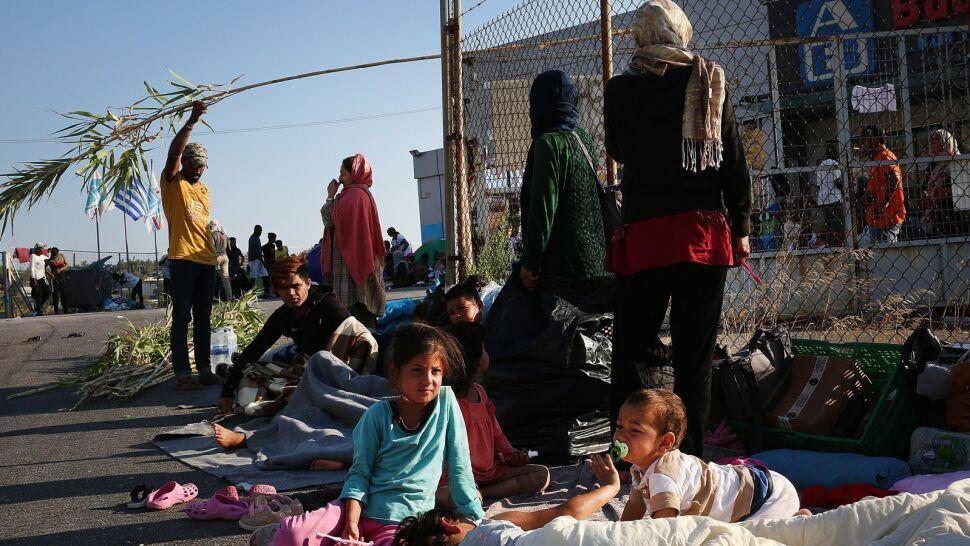 """""""Mamy zdjęcia dzieci, które śpią w śmietnikach. Sytuacja jest absolutnie dramatyczna"""""""