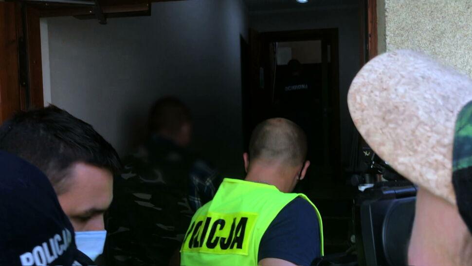 Brutalny atak na funkcjonariuszy. Prokuratura przedstawiła zarzuty