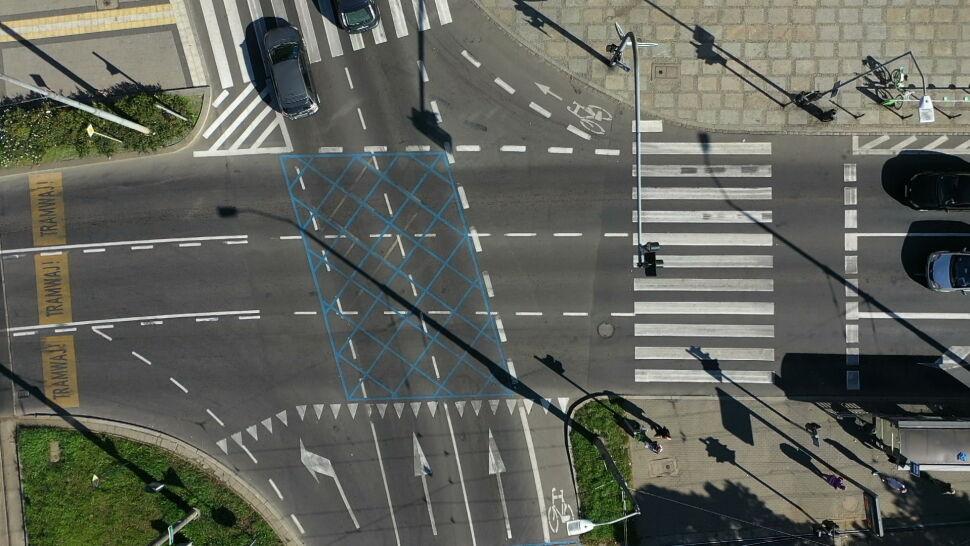 """Test udany. Na ulicach Szczecina pojawiły się """"blue boxy"""""""