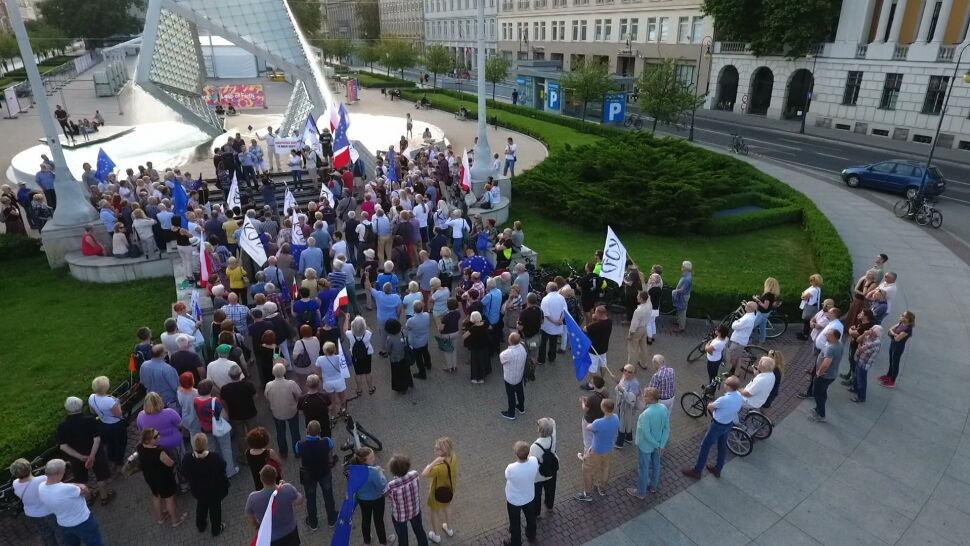 Manifestacje przed sądami w całym kraju. Chcą reakcji Komisji Europejskiej