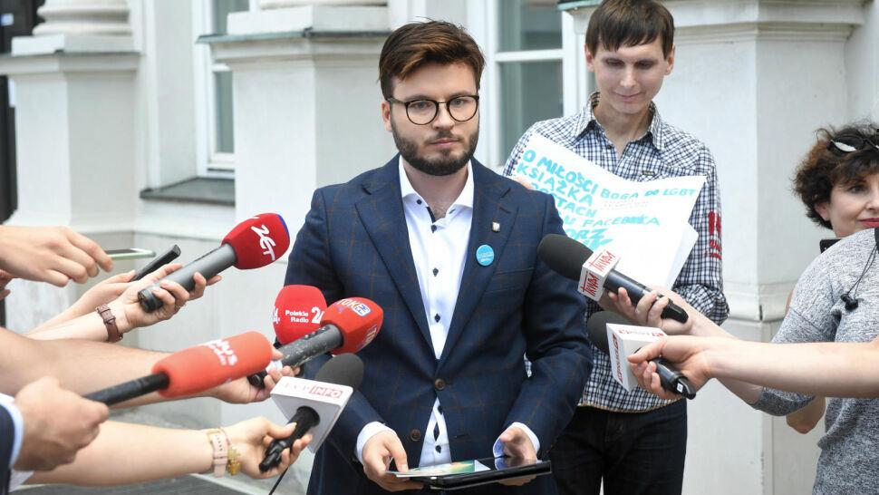 """Prezydent zaprasza aktywistę LGBT do Pałacu, a na wiecu zmienia temat. """"PiS przesadziło i dostaje po uszach"""""""