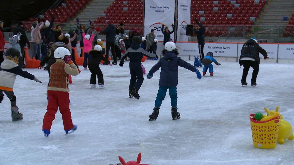 Lodowisko, curling i liczne atrakcje. W Warszawie ruszył Zimowy Narodowy
