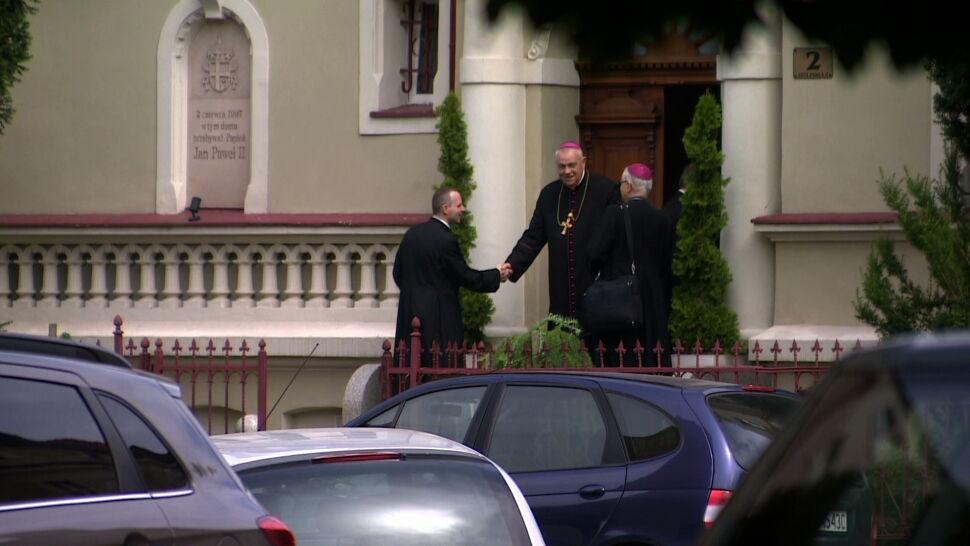 """Papież przyjął rezygnację biskupa Kiernikowskiego. """"Nie należy się doszukiwać żadnego drugiego dna"""""""