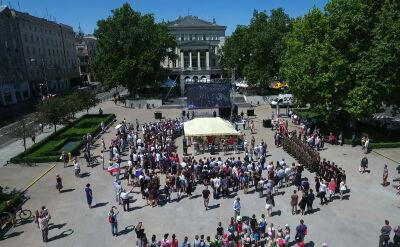 Wystawy, debaty i hymn. Polska świętuje 30 lat wolności