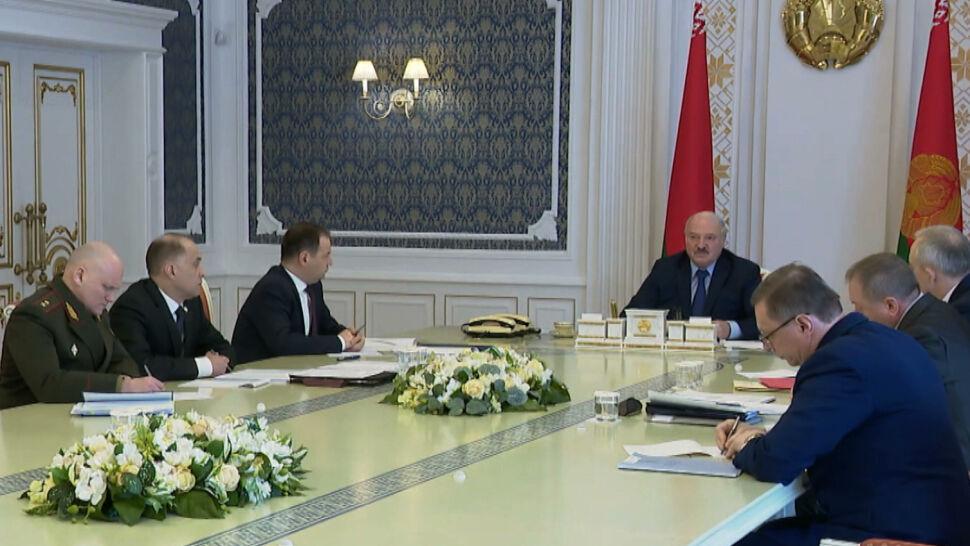 Łukaszenka o Polakach: dostaną po mordzie i to bardzo mocno