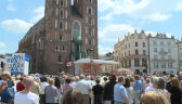 Boże Ciało w Kościele Katolickim. Biskupi mówili między innymi o uchodźcach