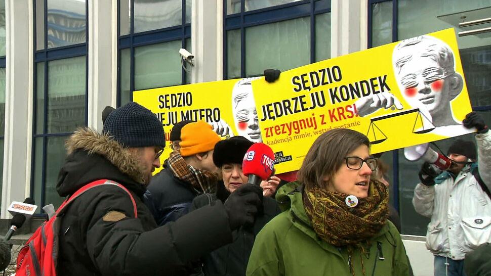"""""""Kadencja minie, wstyd zostanie"""". Protestujący apelują do sędziów"""