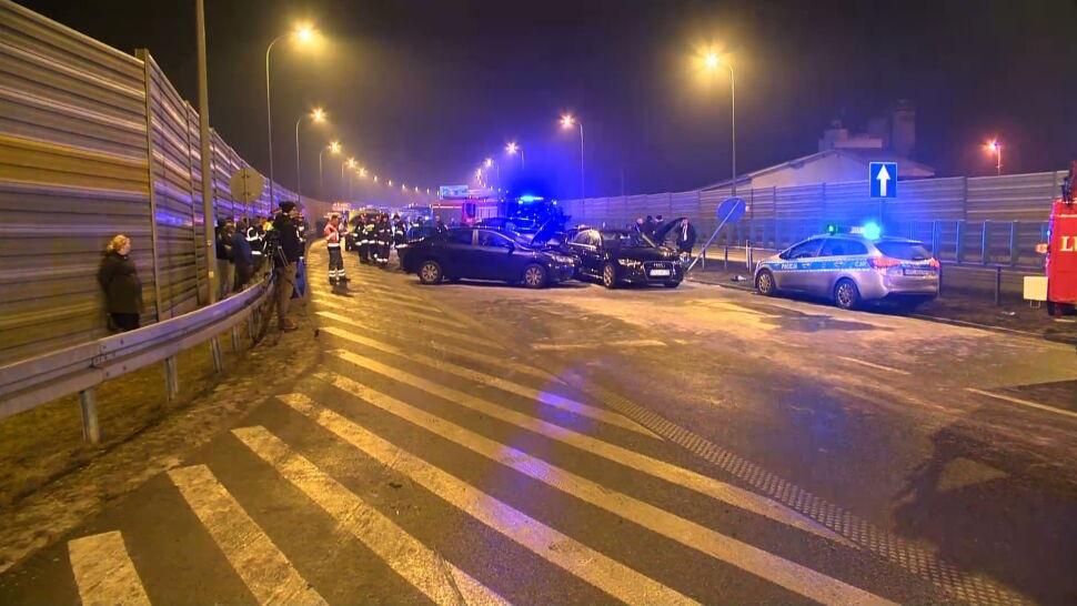 """Kierowca Macierewicza zdobył uprawnienia już po wypadku. """"Podwójny skandal"""""""