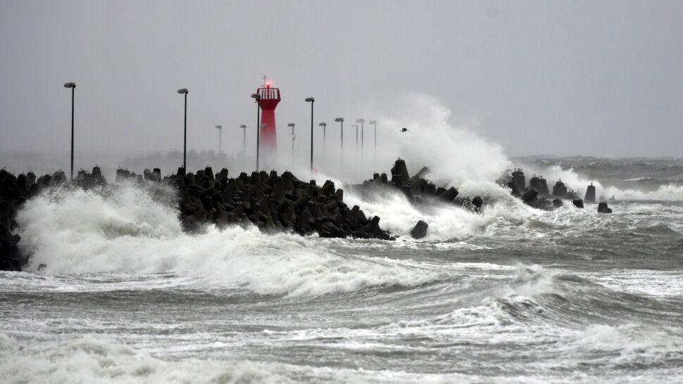 Sztorm nad Bałtykiem i potężne ulewy. Alarmy przeciwpowodziowe w kilku województwach