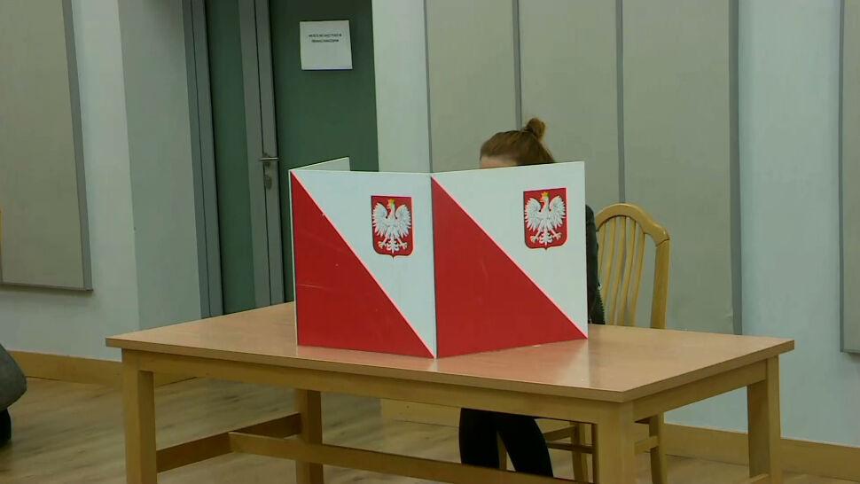 Ponad 27 tysięcy lokali wyborczych, ponad 30 milionów uprawnionych wyborców. Polacy wybierają parlament