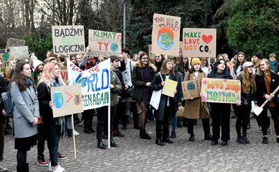 """""""Musimy walczyć o naszą planetę"""". Młodzi ludzie wyszli na ulice"""