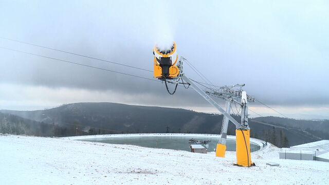 30.11.2019 | Przygotowania do sezonu narciarskiego. Ruszyło naśnieżanie na polskich stokach