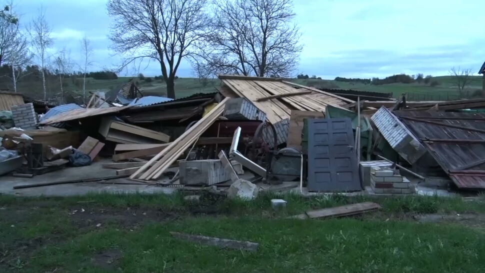 """Załamanie pogody w gminie Tereszpol. """"Świadkowie mówią, że to była typowa trąba powietrzna"""""""