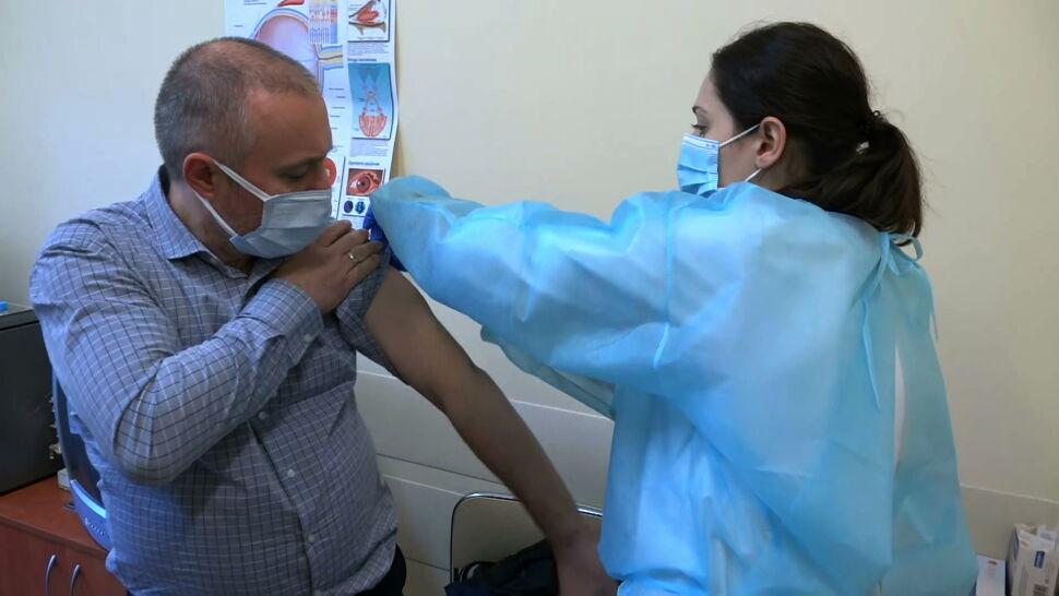 Wałbrzych zachęca do szczepień, prezydent miasta dostaje pogróżki