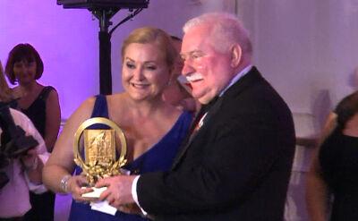 21.02.2016 | W Polsce burza, w Ameryce bez zmian. Lech Wałęsa gościem honorowym na balu w Miami