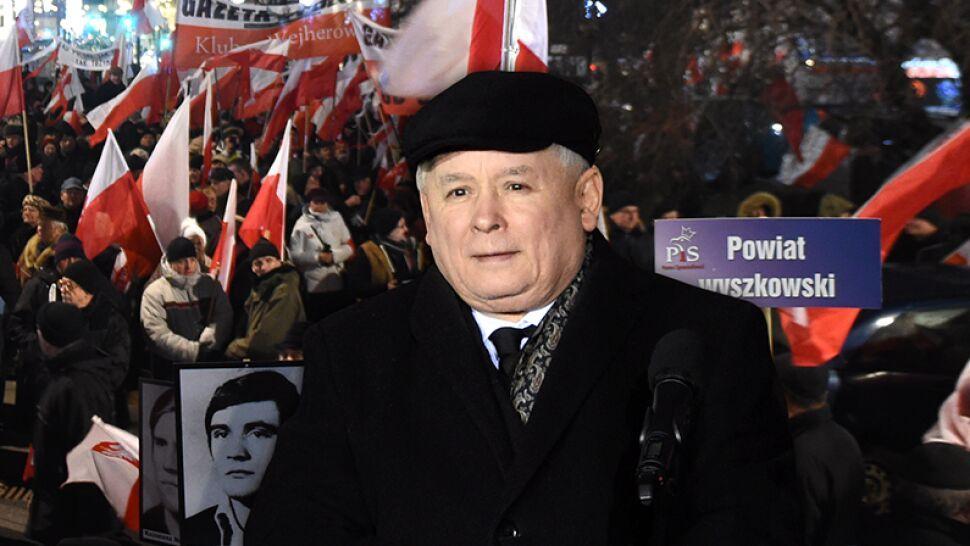 Jarosław Kaczyński na wiecu PiS: stan wojenny to był powrót do okupacji