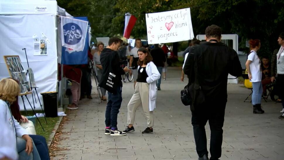 Protestujący medycy nie chcą rozmawiać z ministrem zdrowia, tylko z premierem