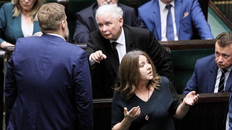 14.02.2020 | Burza po geście posłanki Lichockiej. Opozycja chce jej ukarania