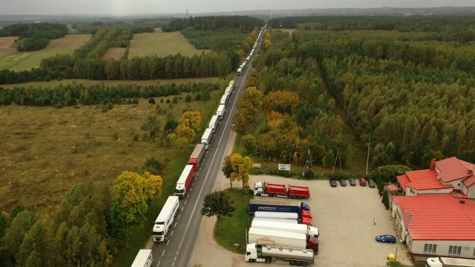 Potężne kolejki na granicy. Awaria systemu na Białorusi