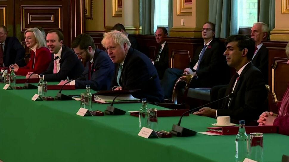 Premier Boris Johnson udaje się na izolację