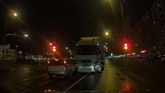 13.01.2020 | Pijacki rajd tirem po Warszawie. Kierowca aresztowany na dwa miesiące