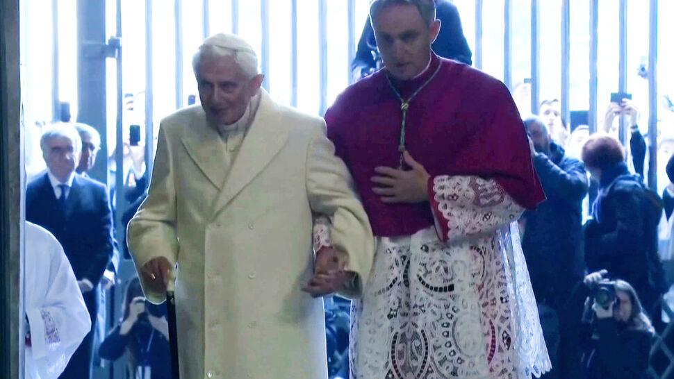 Dwóch papieży, celibat i debata, jakiej jeszcze nie było