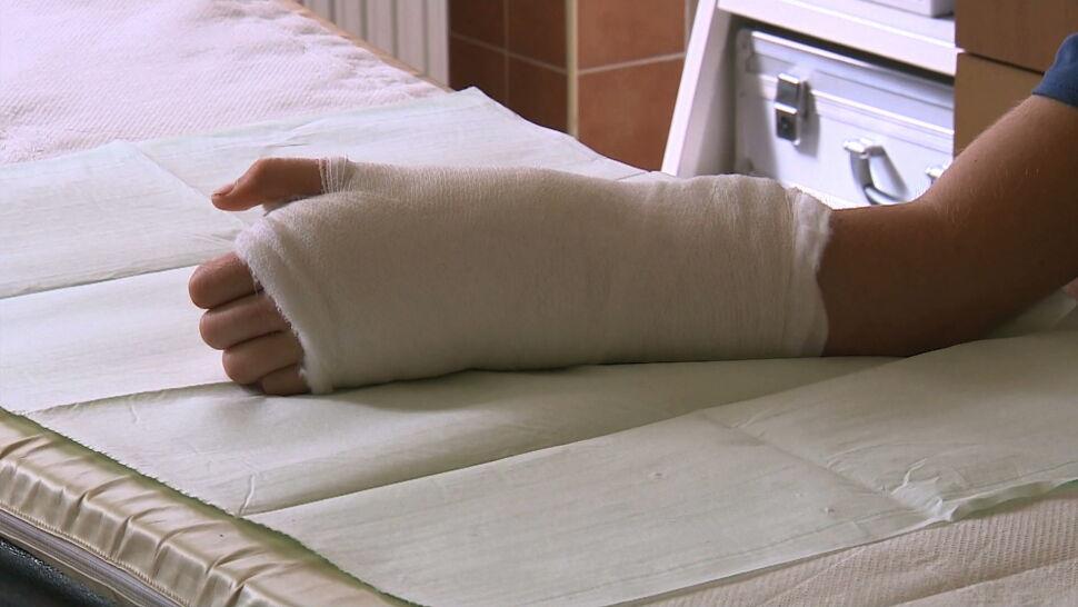 W warsztacie taty stracił rękę. 16-letni Janek opuszcza szpital