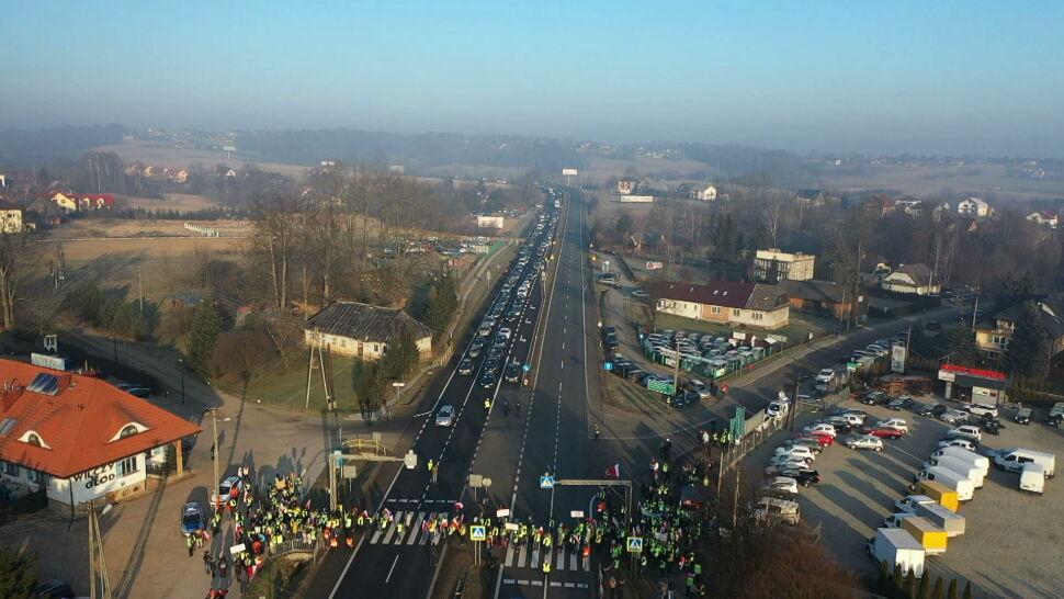 Protesty i blokada Zakopianki. Mieszkańcy chcą bezkolizyjnego skrzyżowania