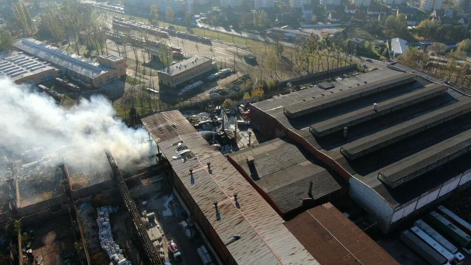Pożar na składowisku tekstyliów w Bytomiu. Miesiąc temu wypowiedziano umowę