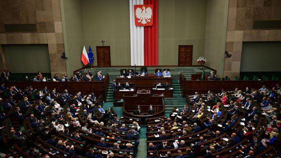 """Zmiana w sprawie ustawy anty-TVN. """"Gdyby mieli większość, to by głosowali"""""""