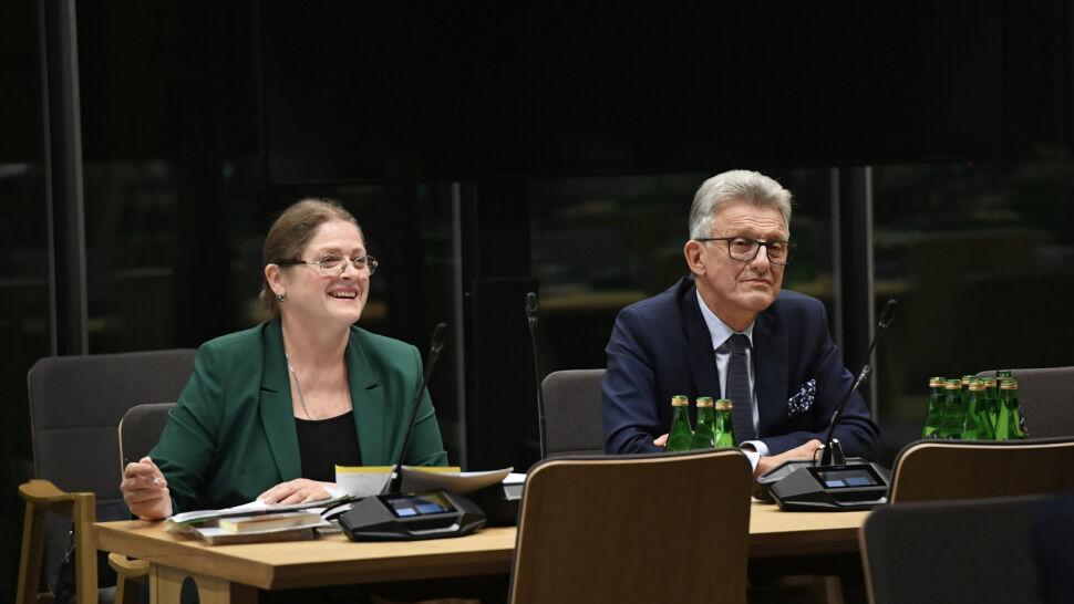 Pawłowicz odpowiadała na pytania, Piotrowicz - nie. Kandydaci PiS z rekomendacjami komisji