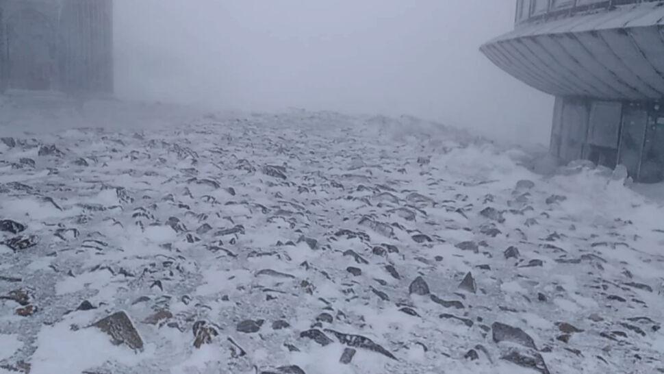 Szlaki na Śnieżkę zostały zamknięte. Niektórzy ignorują zakazy