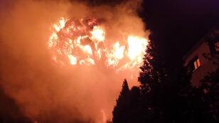 Pożar hali z chemikaliami. Na miejscu ponad 20 zastępów