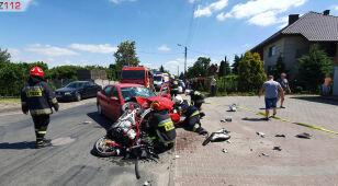 Wyjechała przed motocyklistę. Ten trafił do szpitala