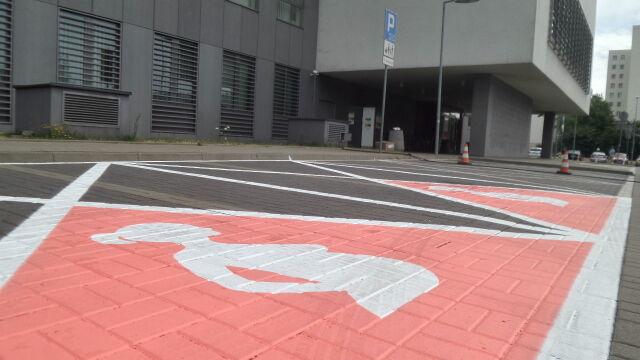 Parking dla kobiet w ciąży. Urząd liczy na uczciwość mieszkańców