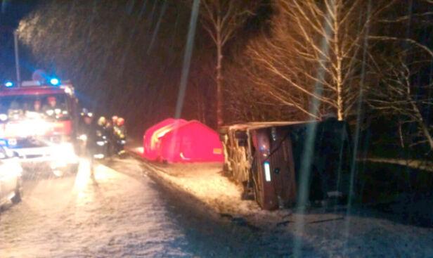 Wypadek na trasie nr 16 pomiędzy Ełkiem a Kalinowem TVN 24