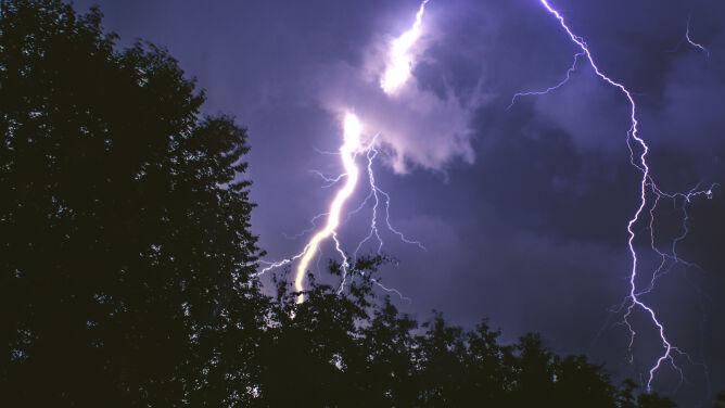Uwaga na burze z gradem. <br />Drugi stopień ostrzeżeń IMGW