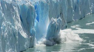 """Antarktyda topnieje coraz szybciej. """"To tylko wierzchołek góry lodowej"""""""