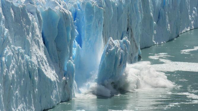 """Antarktyda topnieje coraz szybciej. <br />""""To tylko wierzchołek góry lodowej"""""""