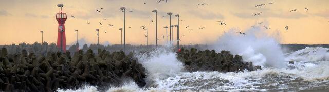 Sztorm na Bałtyku, silny wiatr, burze. Prognoza pogodowych zagrożeń