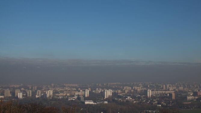 Utrudnione oddychanie w kilku regionach Polski